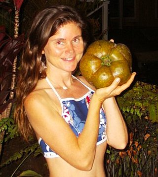 Janie Gardener poses while holding food in 2006