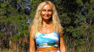 Anne Osborne in sky-print dress