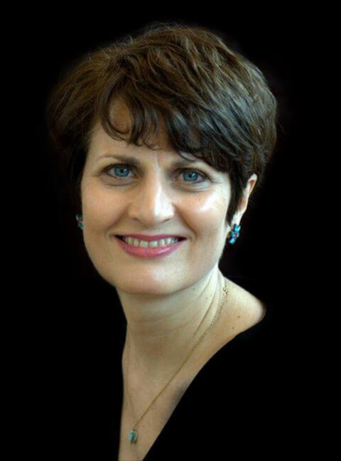 Head-and-shoulders photograph of Irene Bojczuk