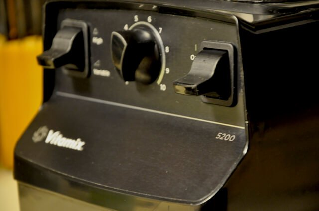 Korey Constable's black Vitamix 5200 model